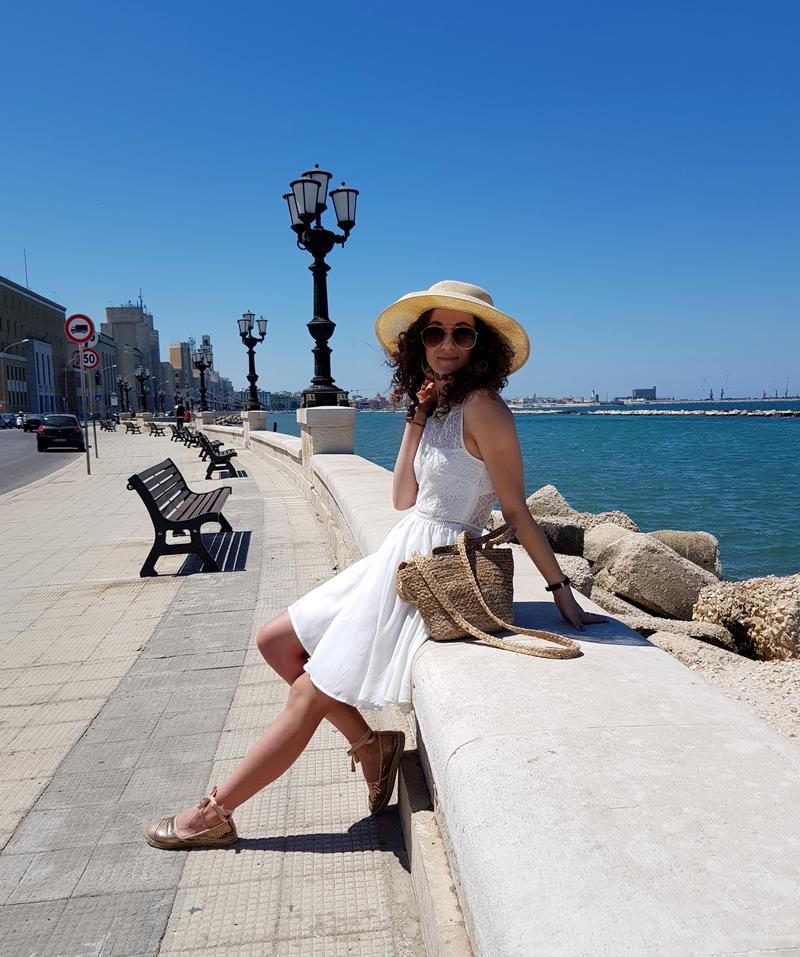 Bari, Kamienice, Włochy, Apulia, zakreecona, zakręcona blog, południowe Wybrzeże Włoch, Prugia, Bazylika św. Mikołaja, Teatr Margherita