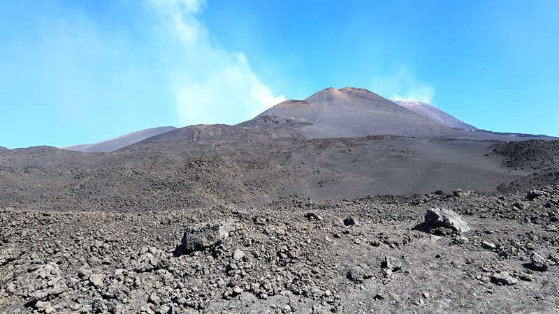 Pani i władczyni całej wyspy – czyli wycieczka na Etnę